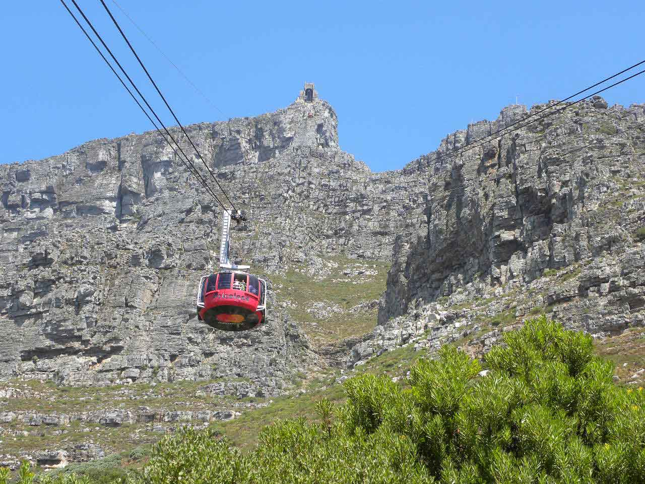 Cable-car-on-Table-mountain